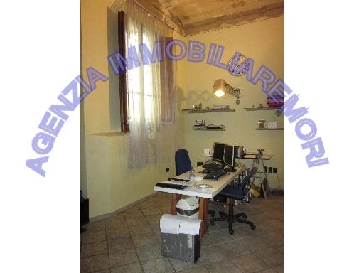 FONDO / NEGOZIO fondo uso ufficio in  affitto a CENTRO - EMPOLI (FI)