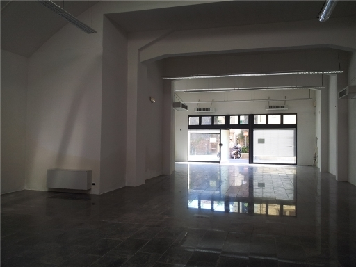 Immobile Commerciale in affitto a Empoli, 5 locali, zona Località: CENTRO, prezzo € 2.500 | CambioCasa.it