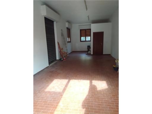 FONDO / NEGOZIO artigianale in  affitto a CASCINE - EMPOLI (FI)