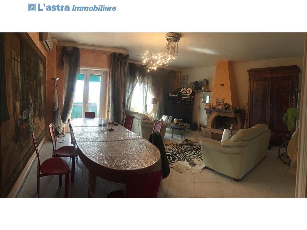 Appartamento in vendita a Firenze zona Firenze - immagine 2