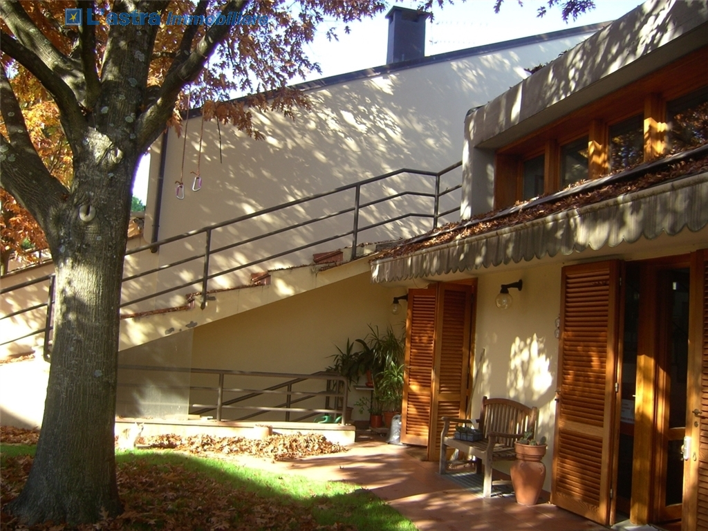 Villa / Villetta / Terratetto in vendita a Scandicci zona Rinaldi - immagine 2