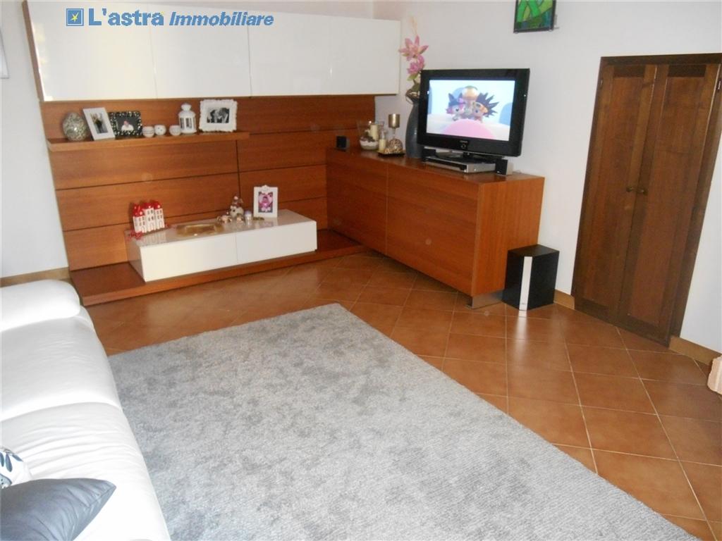 Villa / Villetta / Terratetto in vendita a Signa zona Castello - immagine 3
