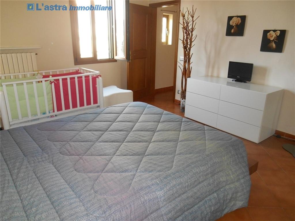 Villa / Villetta / Terratetto in vendita a Signa zona Castello - immagine 8