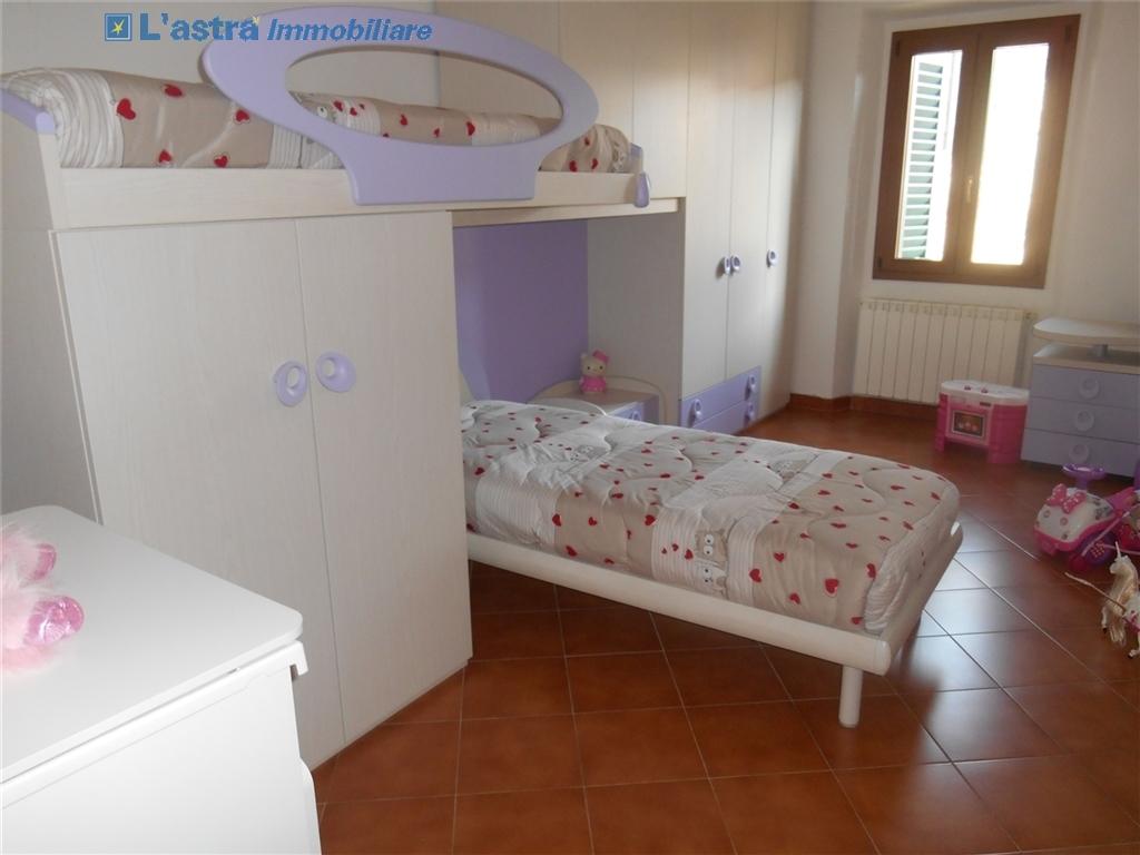Villa / Villetta / Terratetto in vendita a Signa zona Castello - immagine 9
