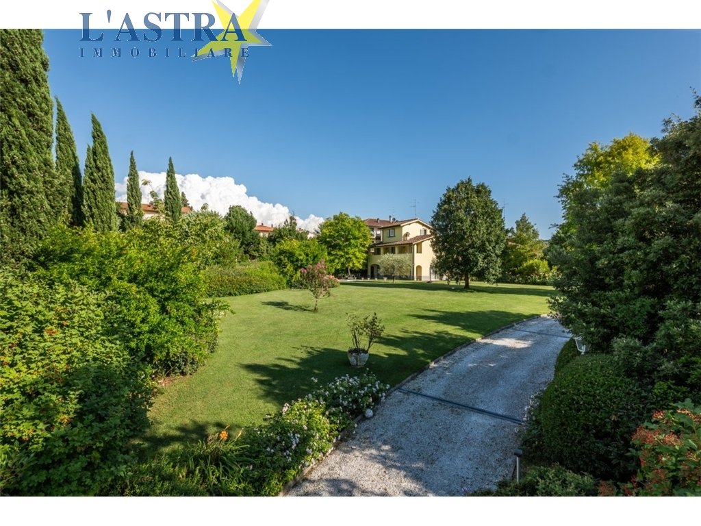 Villa / Villetta / Terratetto in vendita a Lastra a signa zona Porto di mezzo - immagine 3