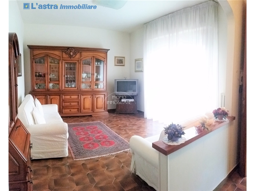 Villa / Villetta / Terratetto in vendita a Campi bisenzio zona San martino - immagine 2
