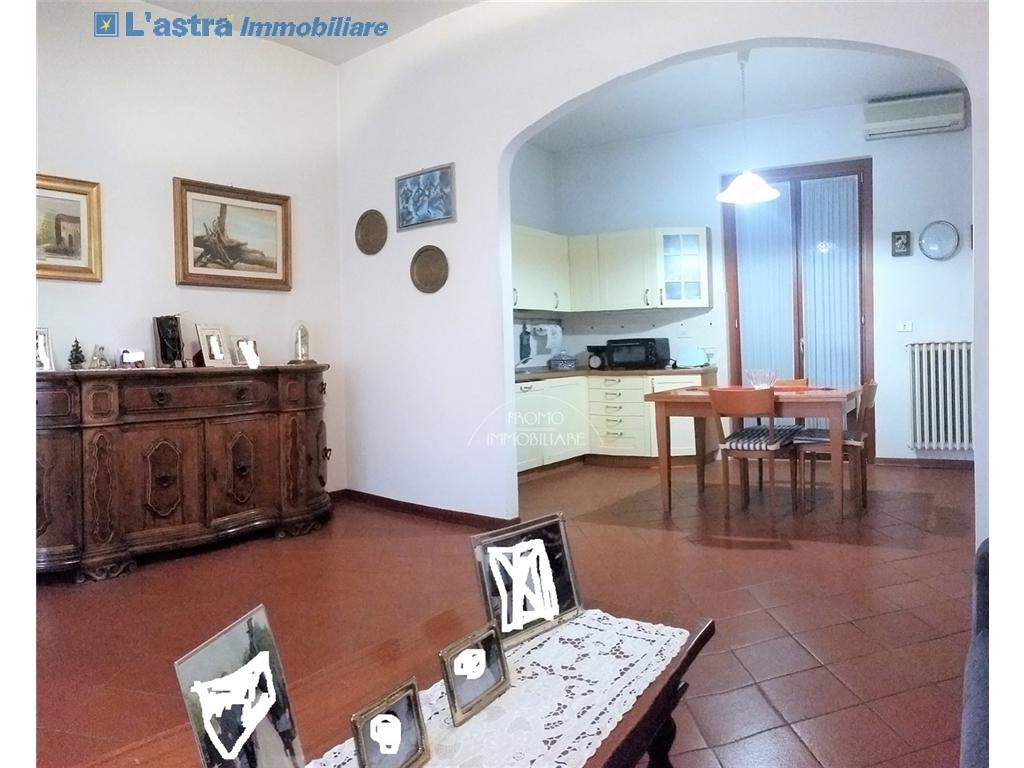 Villa / Villetta / Terratetto in vendita a Campi bisenzio zona San martino - immagine 4