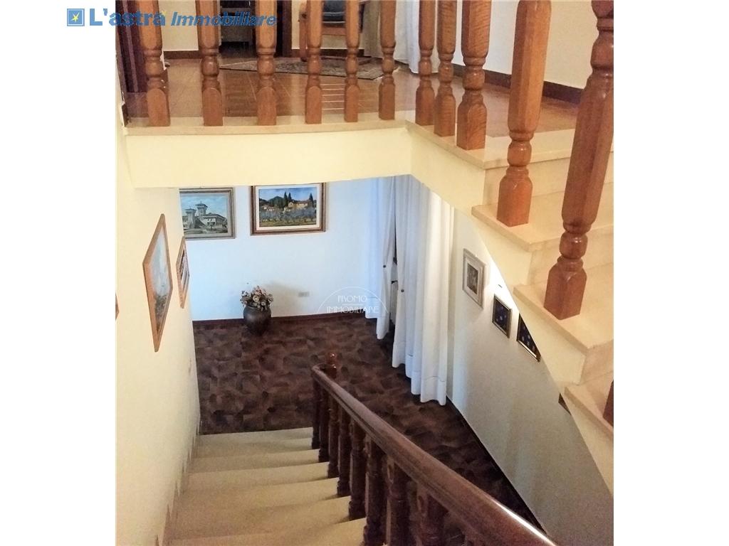 Villa / Villetta / Terratetto in vendita a Campi bisenzio zona San martino - immagine 7