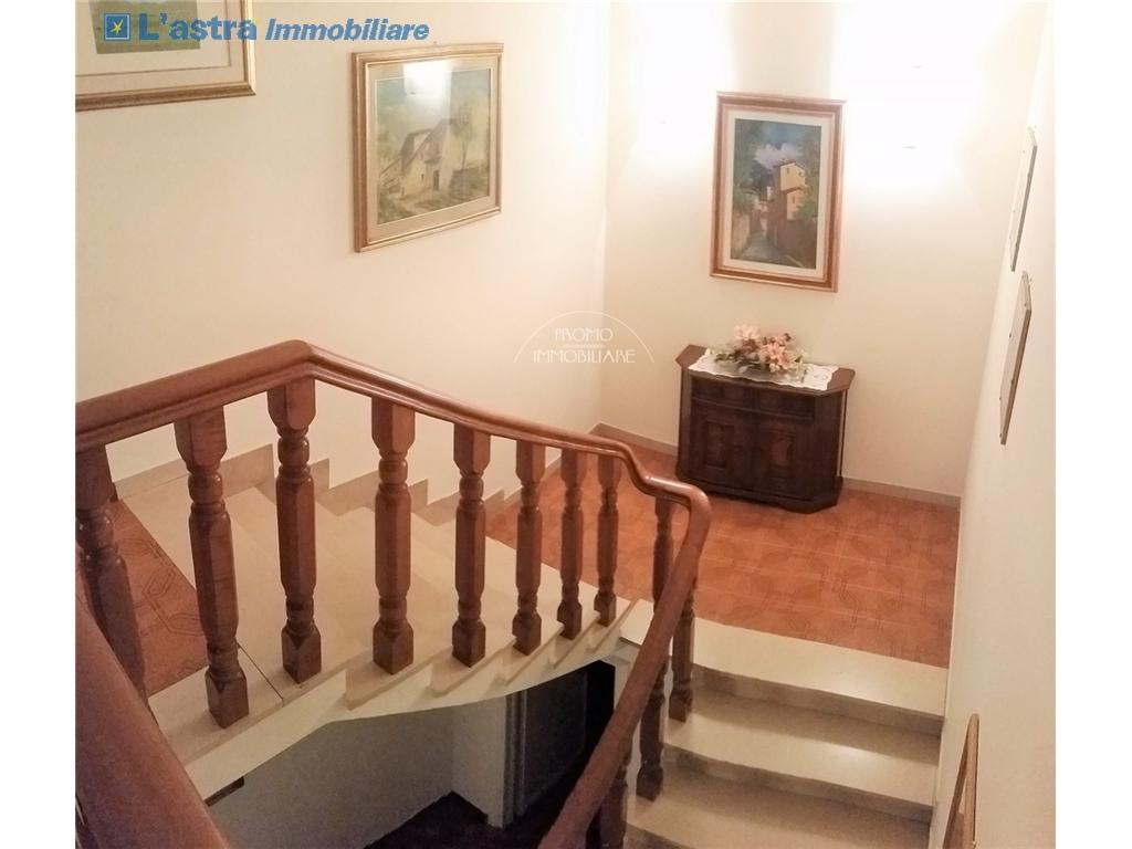 Villa / Villetta / Terratetto in vendita a Campi bisenzio zona San martino - immagine 8