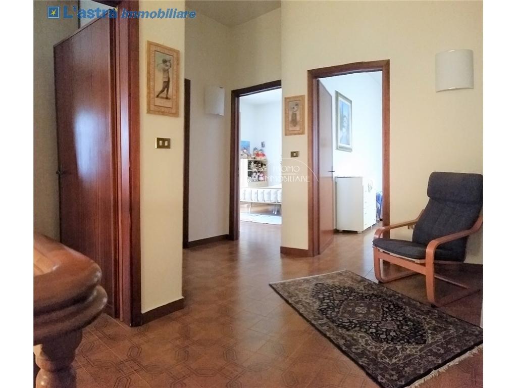 Villa / Villetta / Terratetto in vendita a Campi bisenzio zona San martino - immagine 9