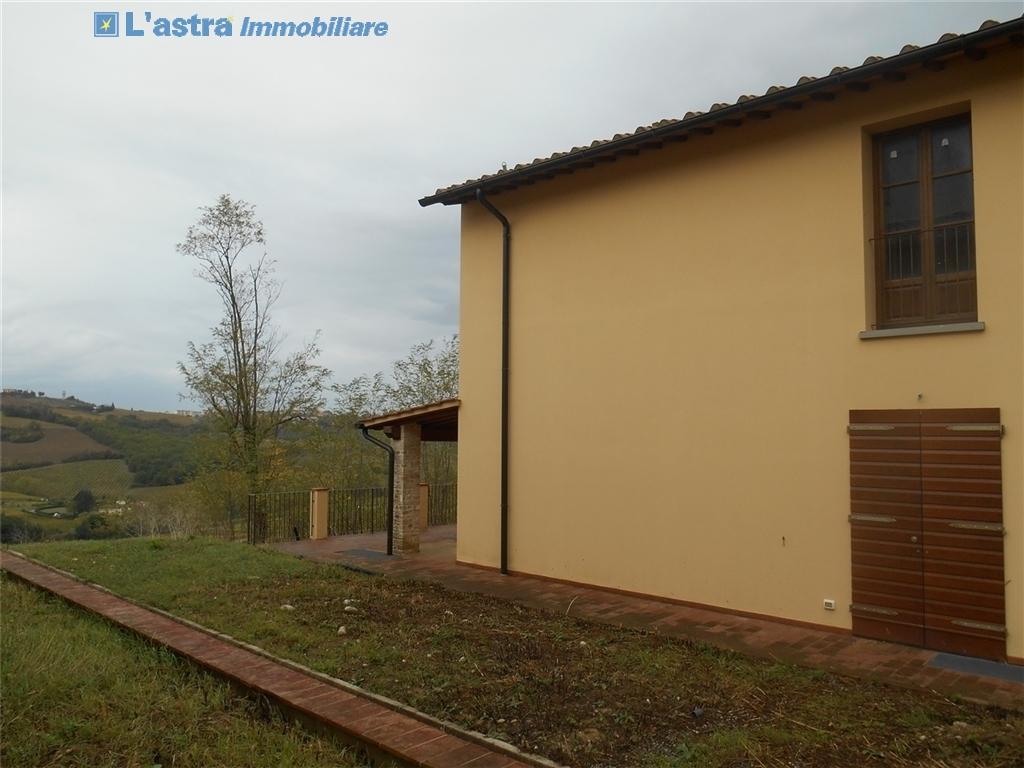 Villa / Villetta / Terratetto in vendita a Montespertoli zona Poppiano - immagine 2