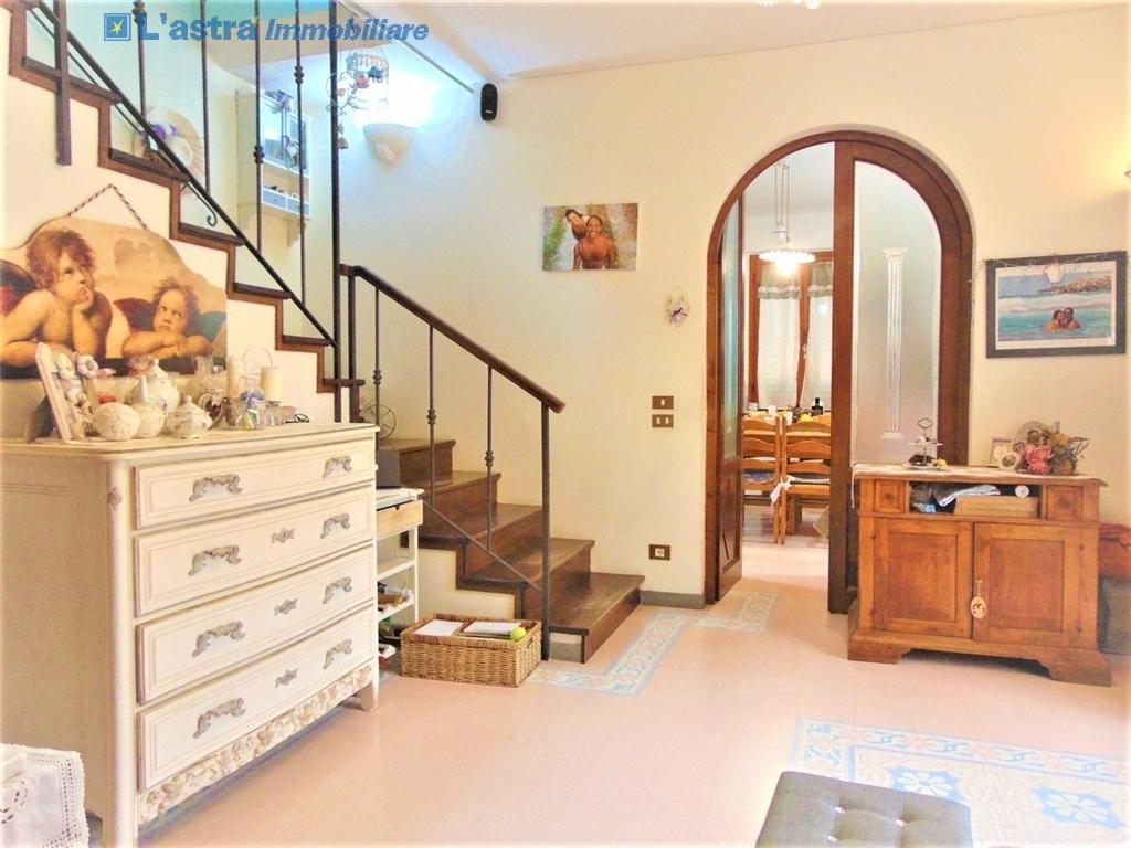 Villa / Villetta / Terratetto in vendita a Lastra a signa zona Santa lucia - immagine 5