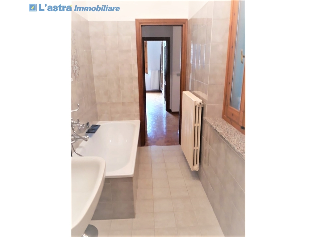 Villa / Villetta / Terratetto in vendita a Lastra a signa zona Malmantile - immagine 17