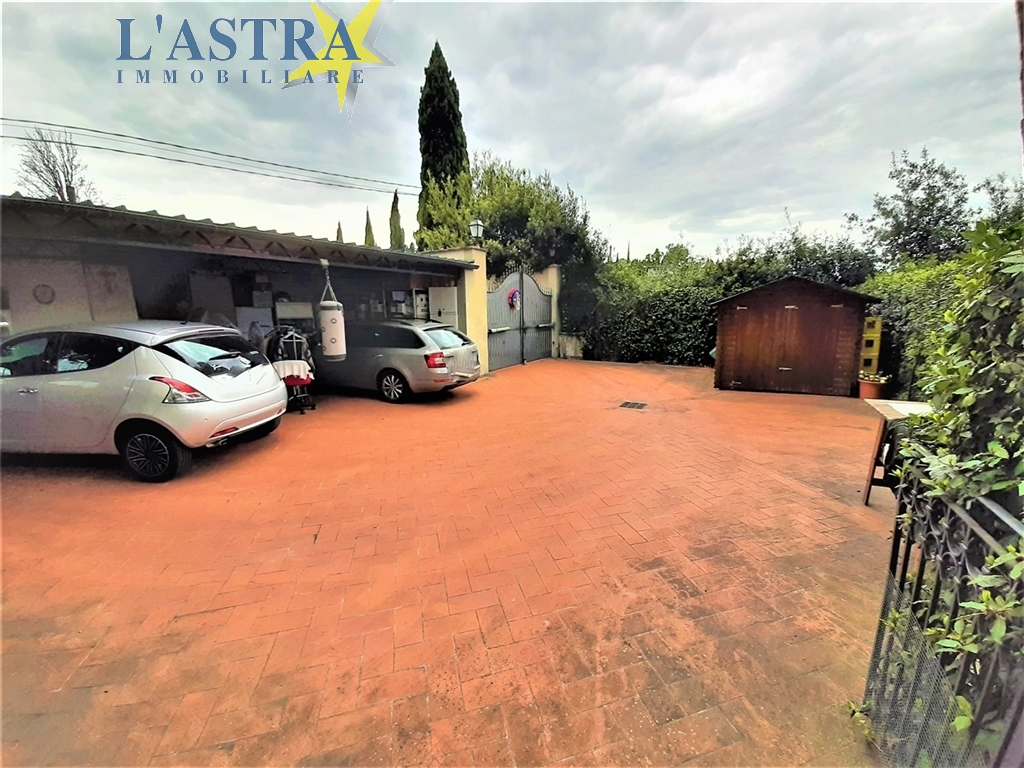 Villa / Villetta / Terratetto in vendita a Lastra a signa zona Carcheri - immagine 8