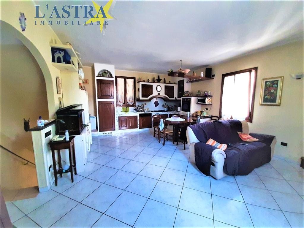 Villa / Villetta / Terratetto in vendita a Scandicci zona Olmo - immagine 2