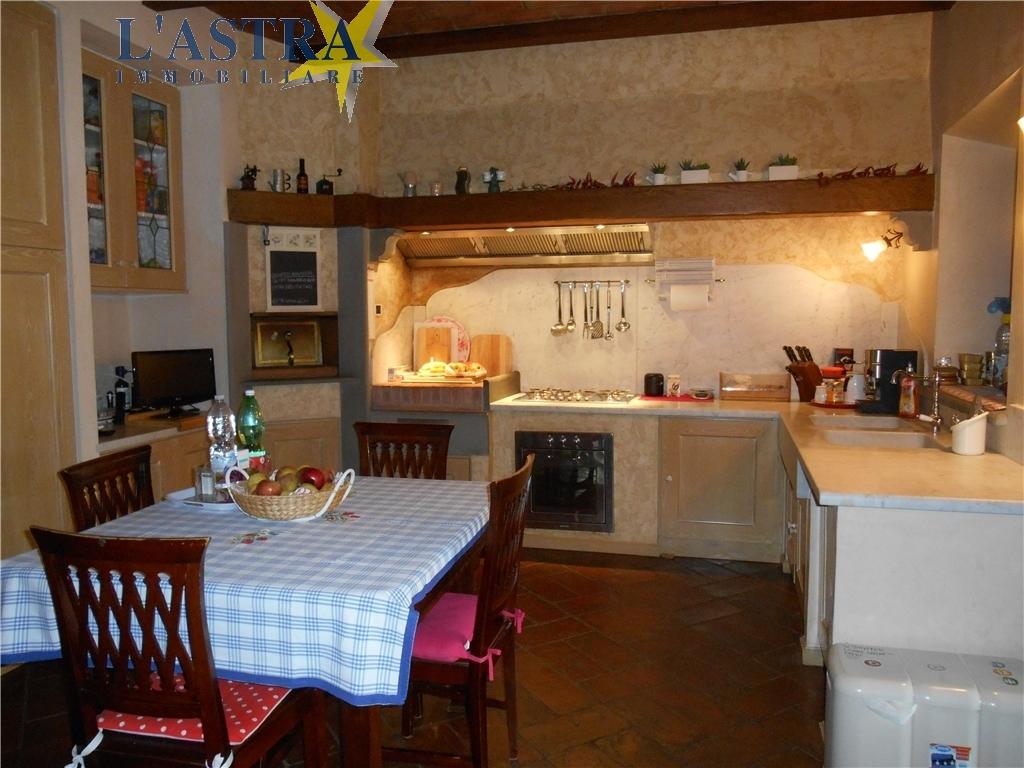 Colonica in vendita a Carmignano zona Comeana - immagine 6
