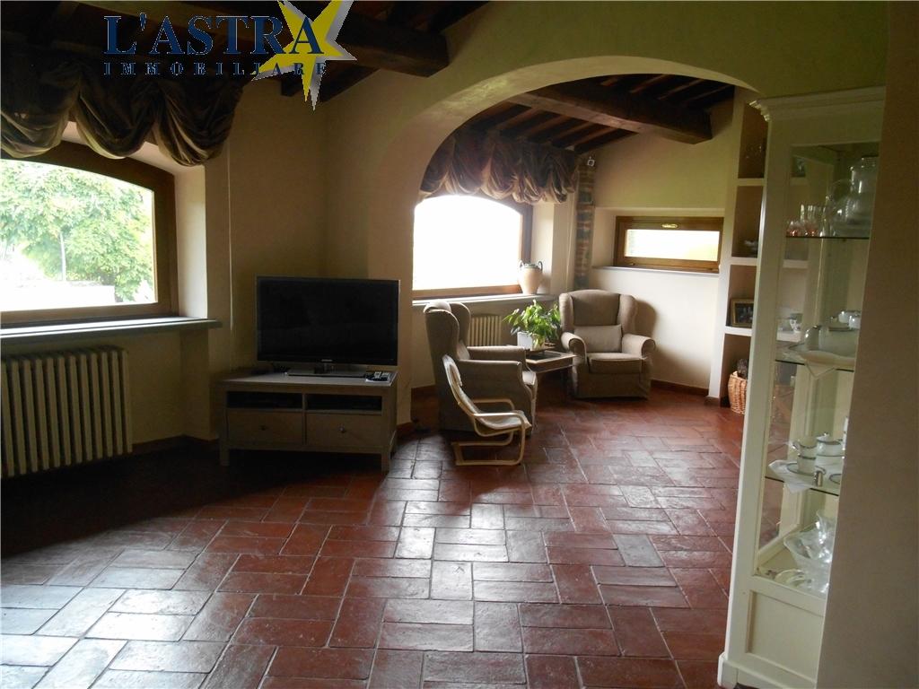 Colonica in vendita a Carmignano zona Comeana - immagine 8