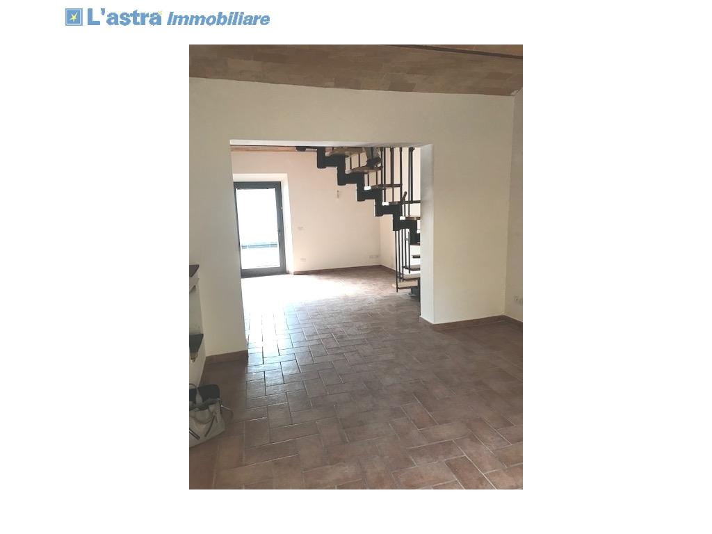 Colonica in vendita a Montespertoli zona Poppiano - immagine 1