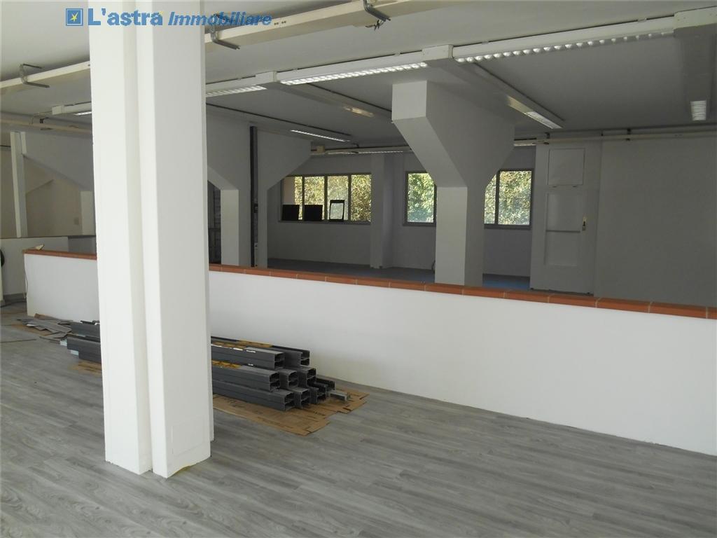 Fondo / Negozio / Ufficio in affitto a Firenze zona Rifredi - immagine 3