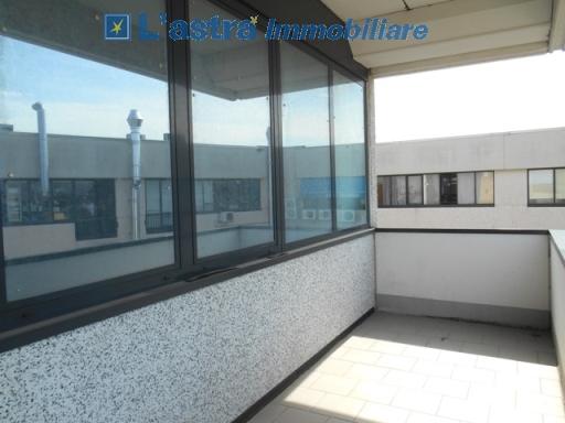 Fondo / Negozio / Ufficio in affitto a Scandicci zona San colombano - immagine 2
