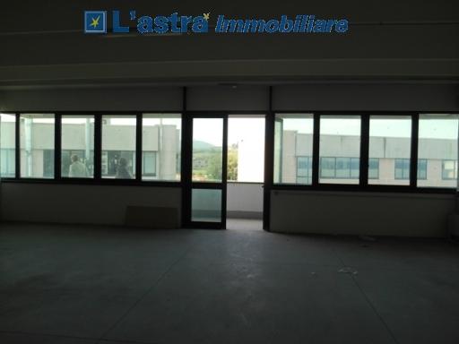 Fondo / Negozio / Ufficio in affitto a Scandicci zona San colombano - immagine 4