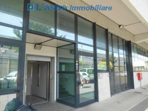 Fondo / Negozio / Ufficio in affitto a Scandicci zona San colombano - immagine 6