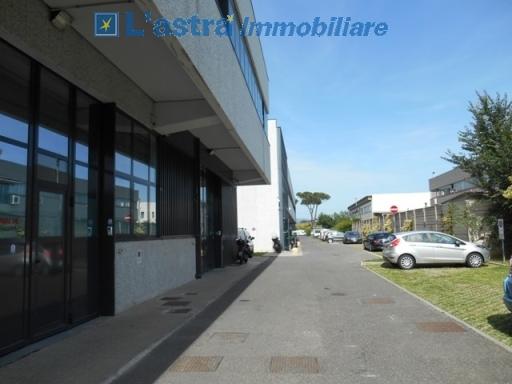 Fondo / Negozio / Ufficio in affitto a Scandicci zona San colombano - immagine 8