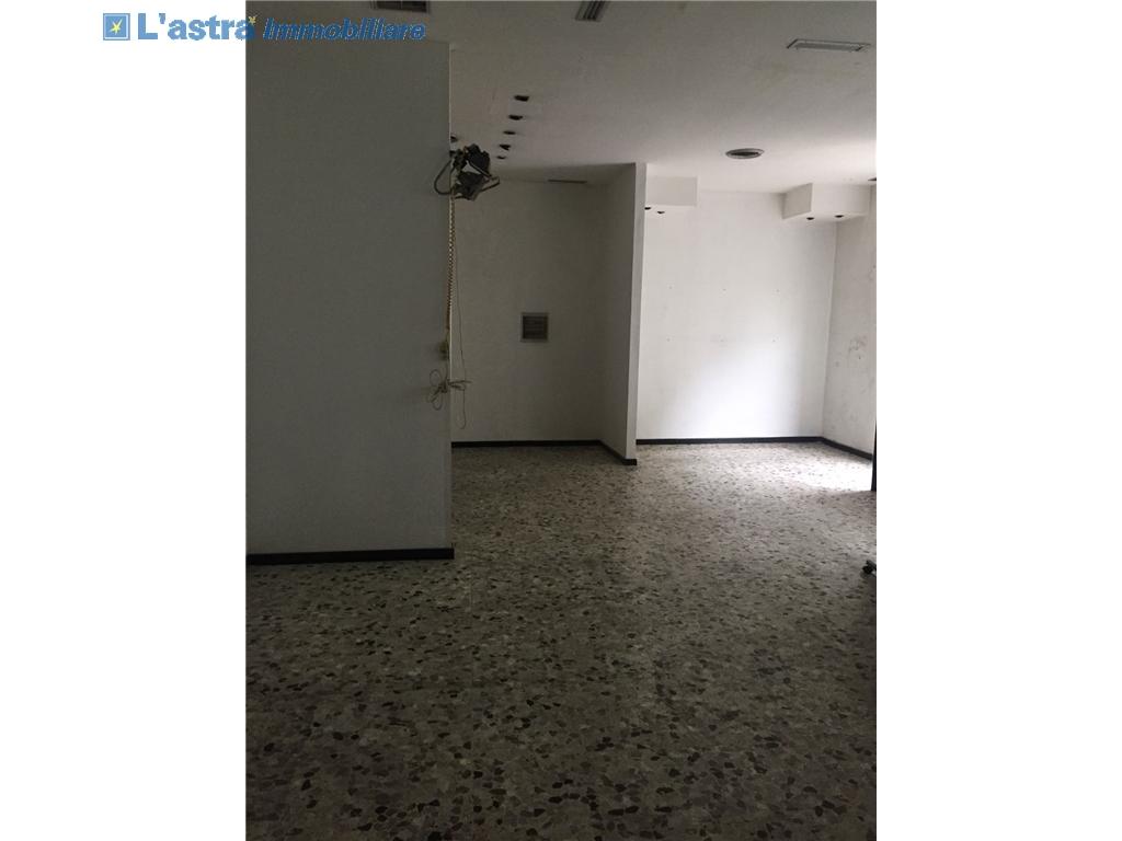 Fondo / Negozio / Ufficio in vendita a Signa zona Signa - immagine 1