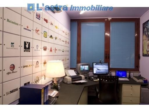 Fondo / Negozio / Ufficio in vendita a Scandicci zona Industriale - immagine 13