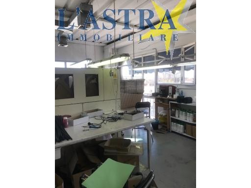 Fondo / Negozio / Ufficio in vendita a Lastra a signa zona Industriale - immagine 2