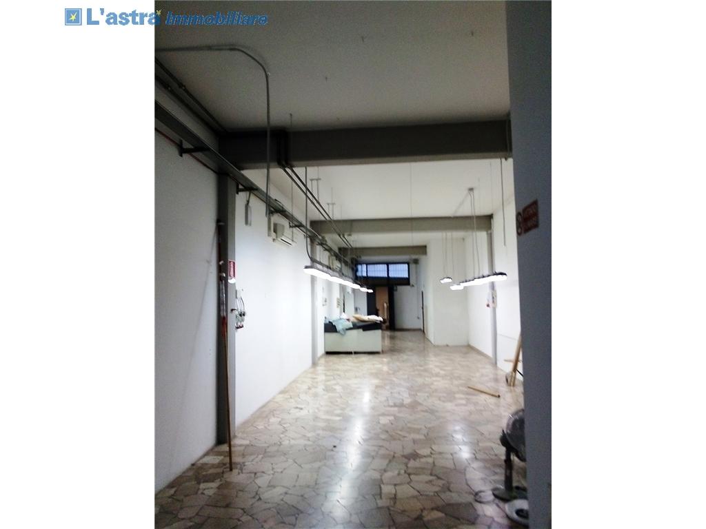 Fondo / Negozio / Ufficio in affitto a Lastra a signa zona Lastra a signa - immagine 1