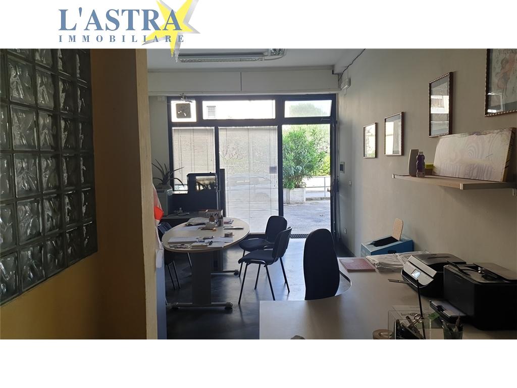 Fondo / Negozio / Ufficio in affitto a Scandicci zona Vingone - immagine 3