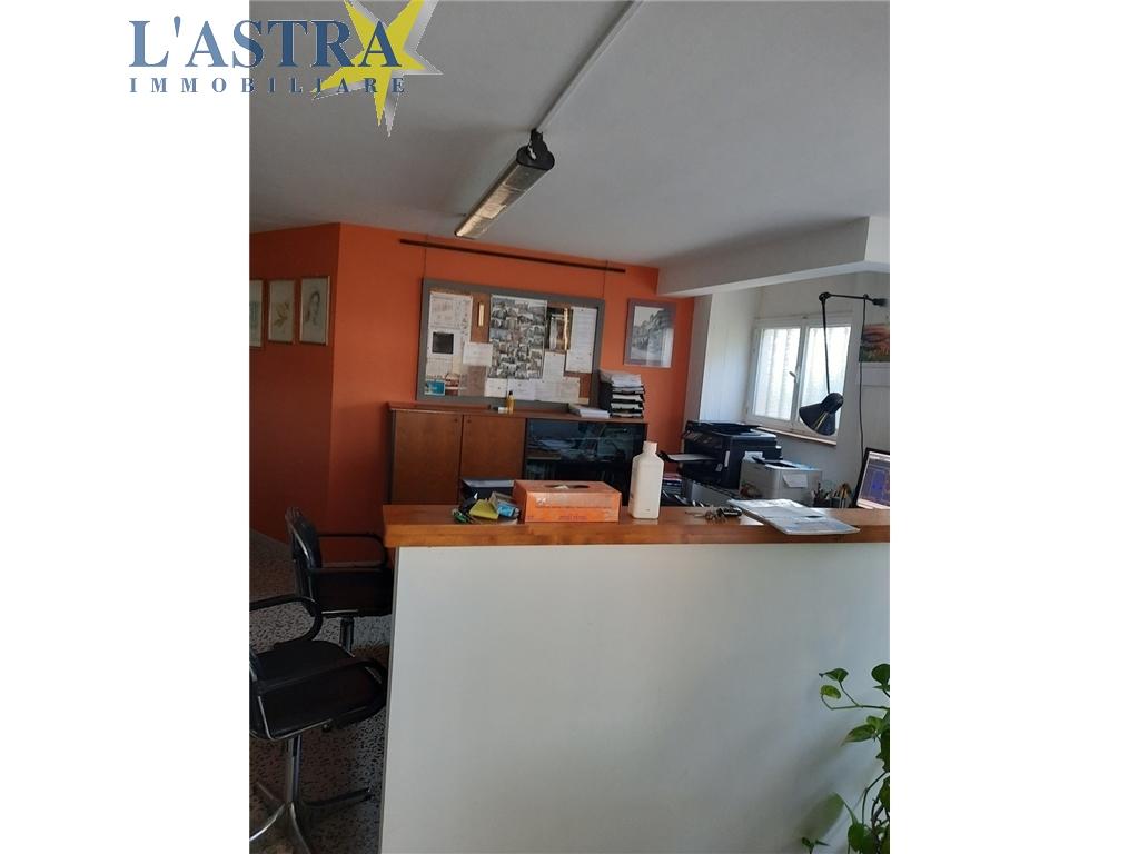 Fondo / Negozio / Ufficio in vendita a Scandicci zona Centro - immagine 2