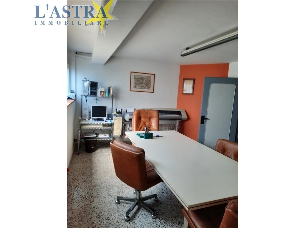 Fondo / Negozio / Ufficio in vendita a Scandicci zona Centro - immagine 3