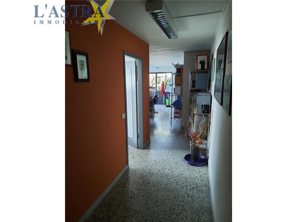 Fondo / Negozio / Ufficio in vendita a Scandicci zona Centro - immagine 6