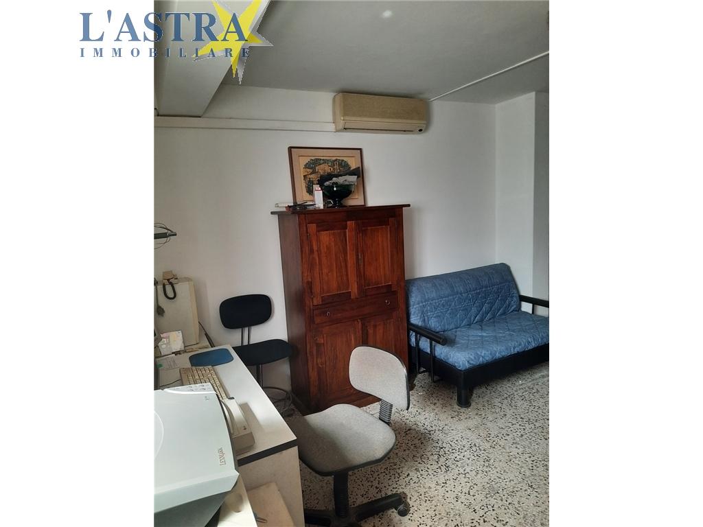 Fondo / Negozio / Ufficio in vendita a Scandicci zona Centro - immagine 10