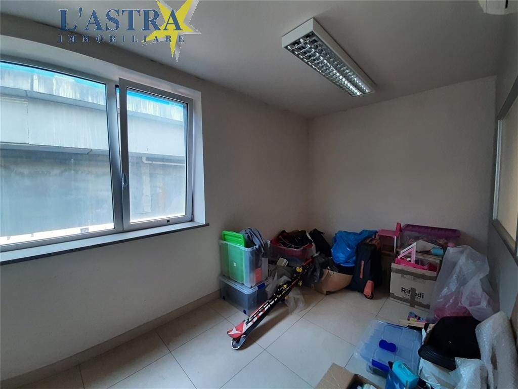 Fondo / Negozio / Ufficio in affitto a Lastra a signa zona Lastra a signa - immagine 10