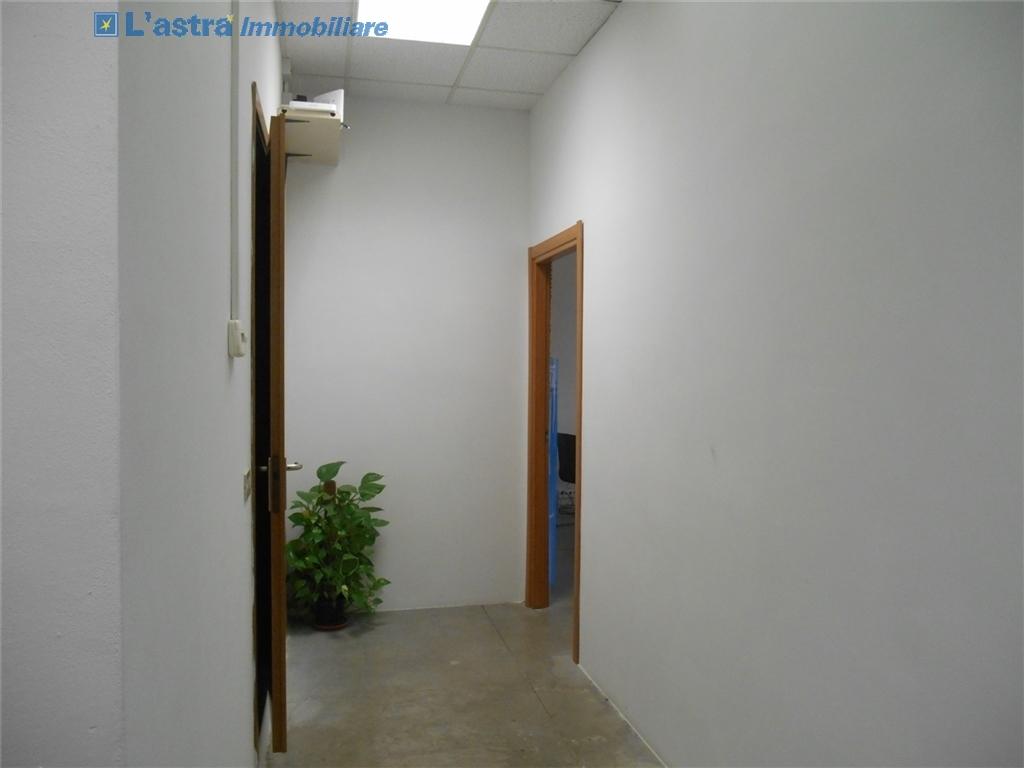 Capannone / Magazzino in affitto a Scandicci zona Industriale - immagine 2