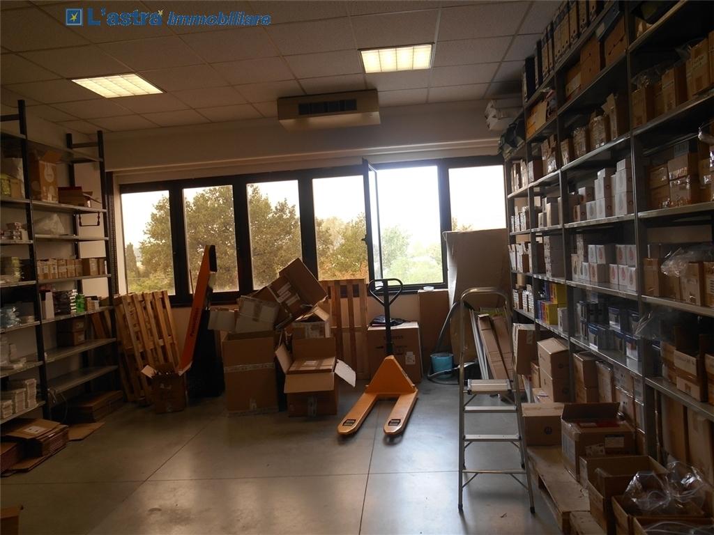 Capannone / Magazzino in affitto a Scandicci zona Industriale - immagine 4
