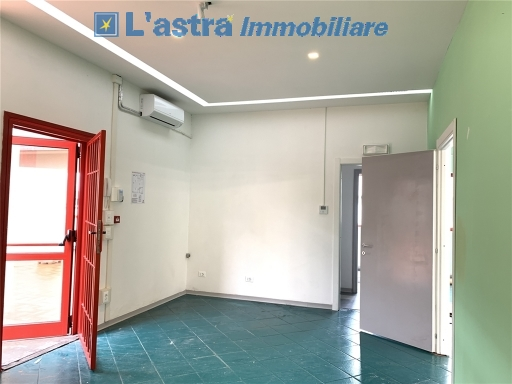 Capannone / Magazzino in affitto a Scandicci zona Casellina - immagine 8