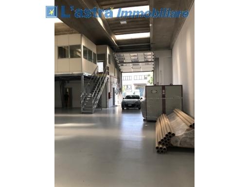 Capannone / Magazzino in affitto a Scandicci zona Industriale - immagine 1