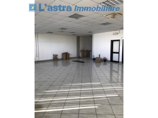 Capannone / Magazzino in vendita a Scandicci zona Industriale - immagine 2