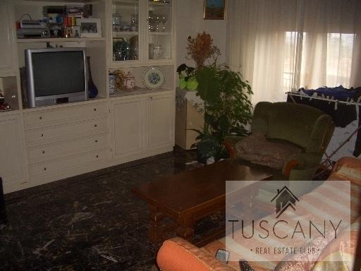 Appartamento in vendita a Tavarnelle Val di Pesa, 4 locali, zona Località: TAVARNELLE VAL DI PESA, prezzo € 130.000 | Cambio Casa.it