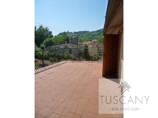 Appartamento in vendita a Tavarnelle Val di Pesa, 7 locali, zona Località: SAMBUCA, prezzo € 180.000   Cambio Casa.it