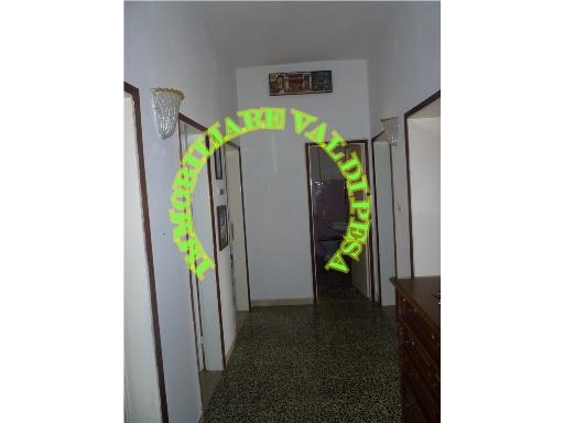 Appartamento in vendita a Barberino Val d'Elsa, 5 locali, zona Località: BARBERINO VAL D'ELSA, prezzo € 140.000   Cambio Casa.it