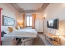 vendesi appartamento di circa 55 mq posto al secondo piano, senza ascensore, composta da ingresso, soggiorno, cucina, camera matrimoniale, bagno ripostiglio oltr balcone.
