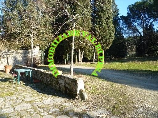 Rustico / Casale in affitto a San Casciano in Val di Pesa, 4 locali, zona Località: SAN CASCIANO IN VAL DI PESA, prezzo € 700   Cambio Casa.it