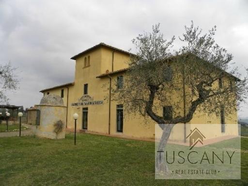 Rustico / Casale in vendita a Casole d'Elsa, 8 locali, zona Località: MENSANO, prezzo € 350.000 | Cambio Casa.it