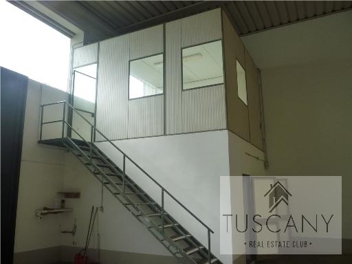 Capannone in affitto a Tavarnelle Val di Pesa, 2 locali, zona Località: SAMBUCA, prezzo € 1.500 | Cambio Casa.it