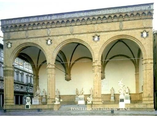 Negozio-locale in Affitto a Firenze: 5 locali, 90 mq